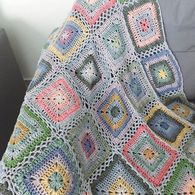 rawrustic crochet squares blanket