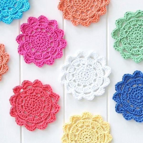 redagape_styleanddesign crochet flower power coasters