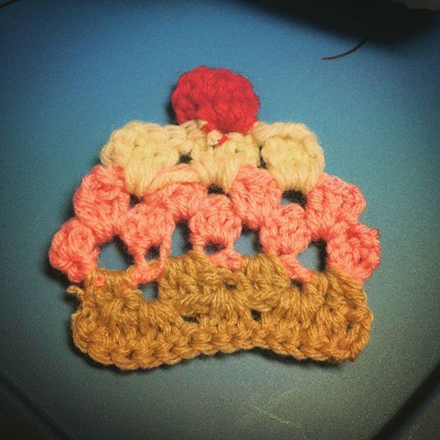 sabrinamc7 crochet cupcake applique