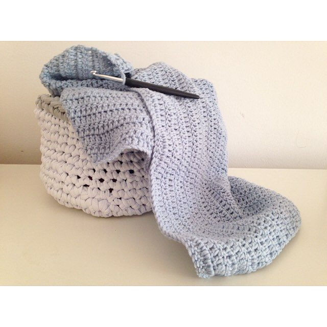 sweet_sharna crochet basket and jumper
