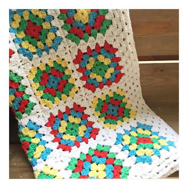 teaandcrafting crochet granny square blanket