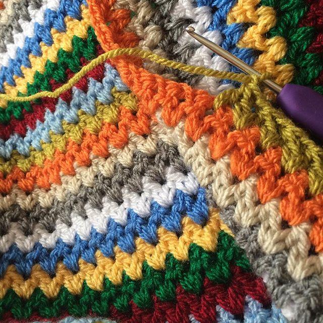 thepolkadotgiraffe crochet blanket