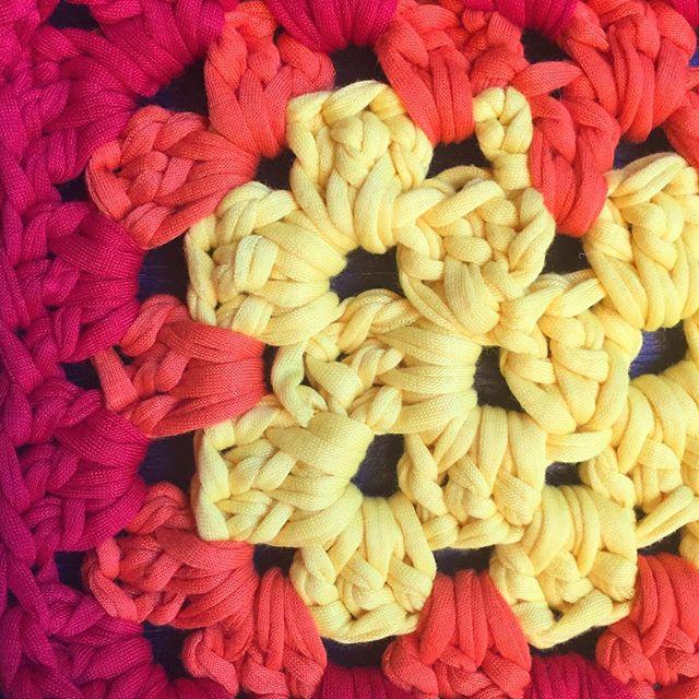 tshirt yarn crochet granny rectangle