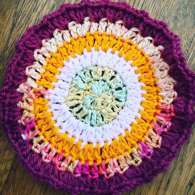 vercillo colorful bold crochet mandala