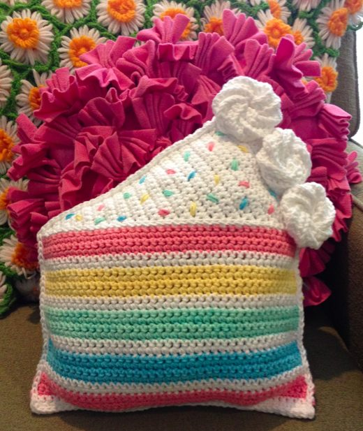 cake crochet pillow pattern