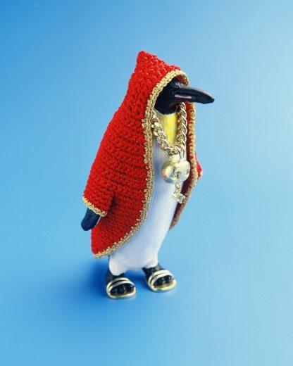 crochet emperor penguin by felieke van der leest