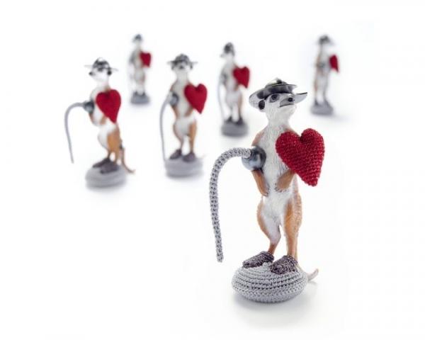 crochet meerkat brooch by felieke van der leest