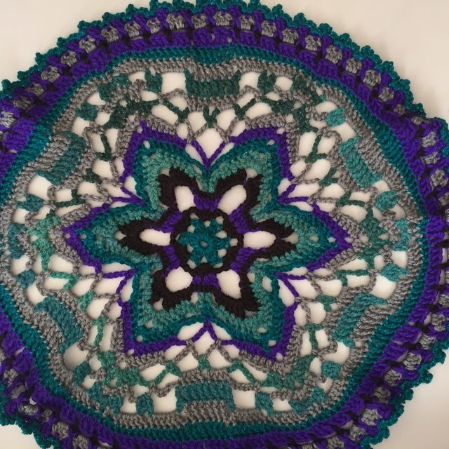 crochet star mandala by lydia
