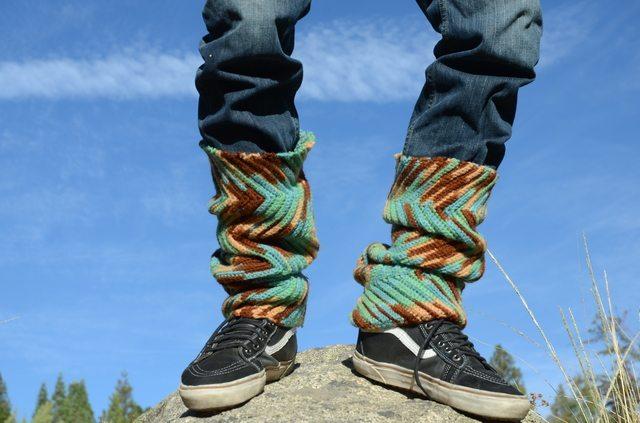 lordvonschmitt crochet legwarmers with jeans