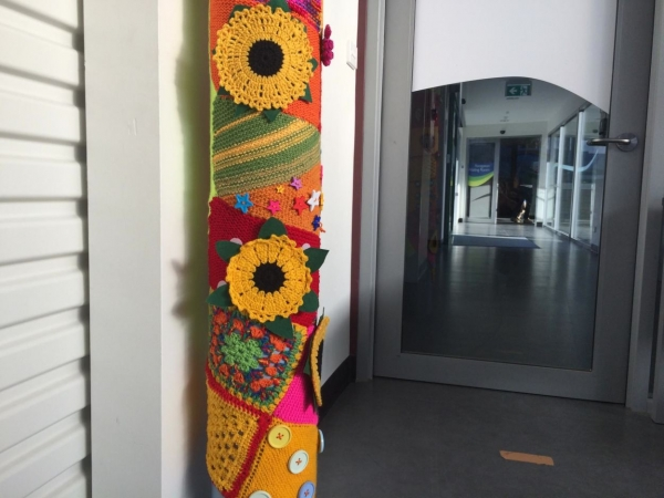 sunflower yarnbomb