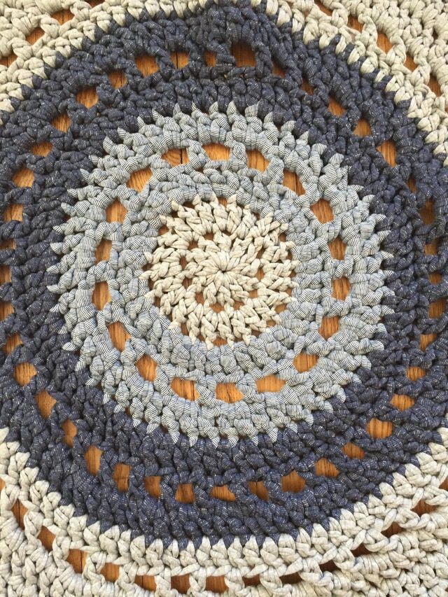 annes crochet doily rug
