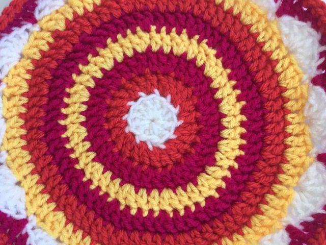 brendas sunny crochet mandalas for marinke