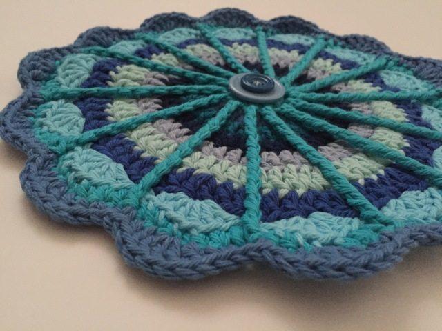 cayty crochet blue mandala