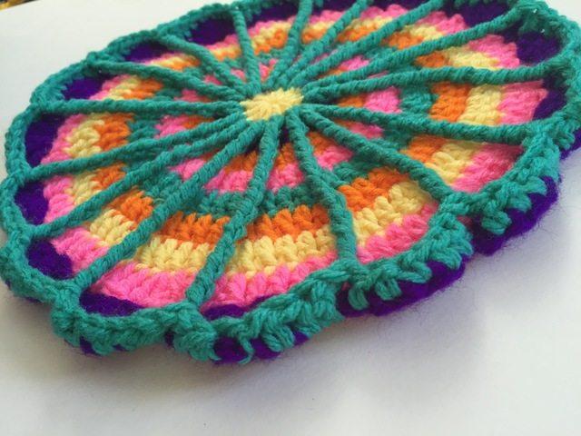 crochet spoke mandala edge detail by acacia