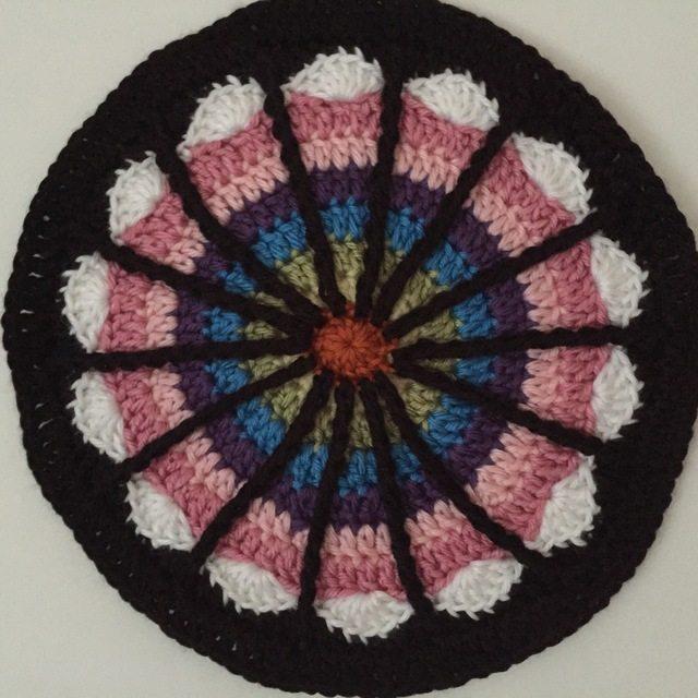 crochetingthruchronicdiseases crochet spoke mandala