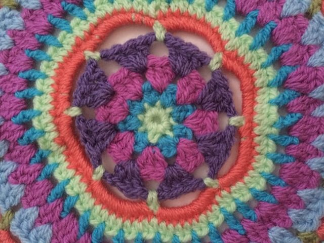 detail of crochet mandala by anfloclay