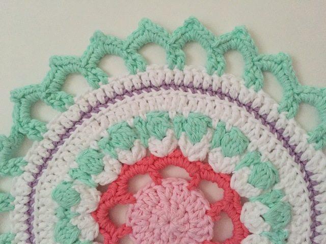 elizabeth amimami crochet mandalasformarinke green pink