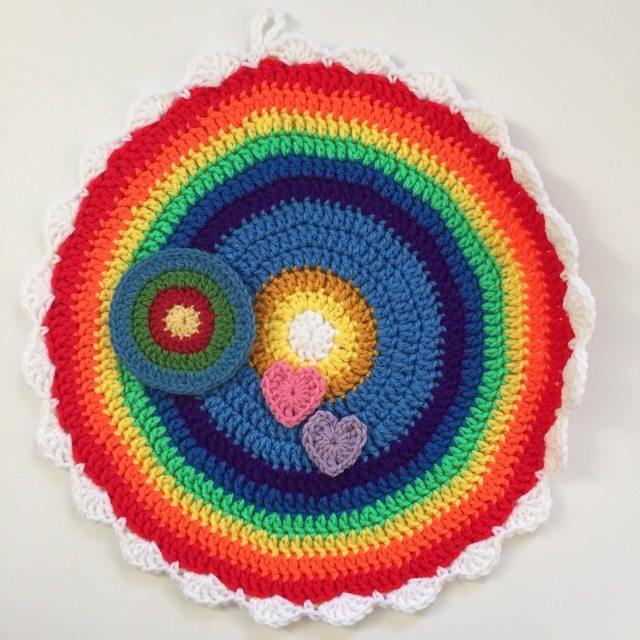 linda rainbow crochet mandala for sammy