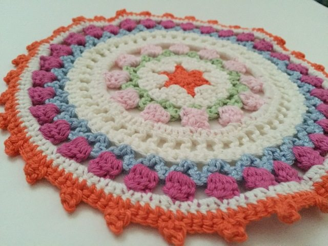 monique crochet mandala