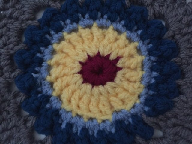 patty davis crochet mandala for marinke center detail