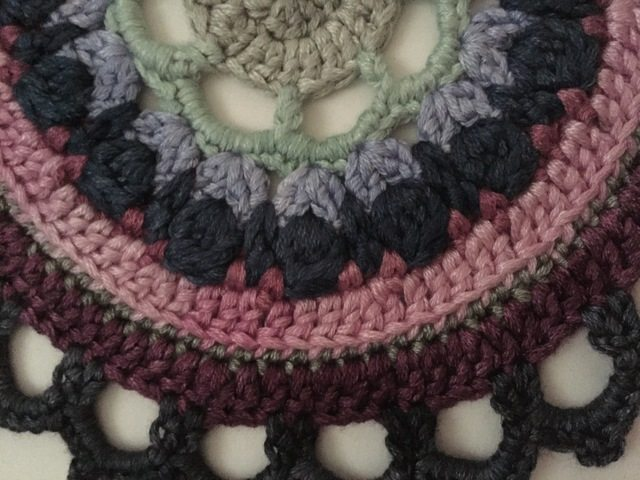 stephanie davies crochet mandalas for marinke