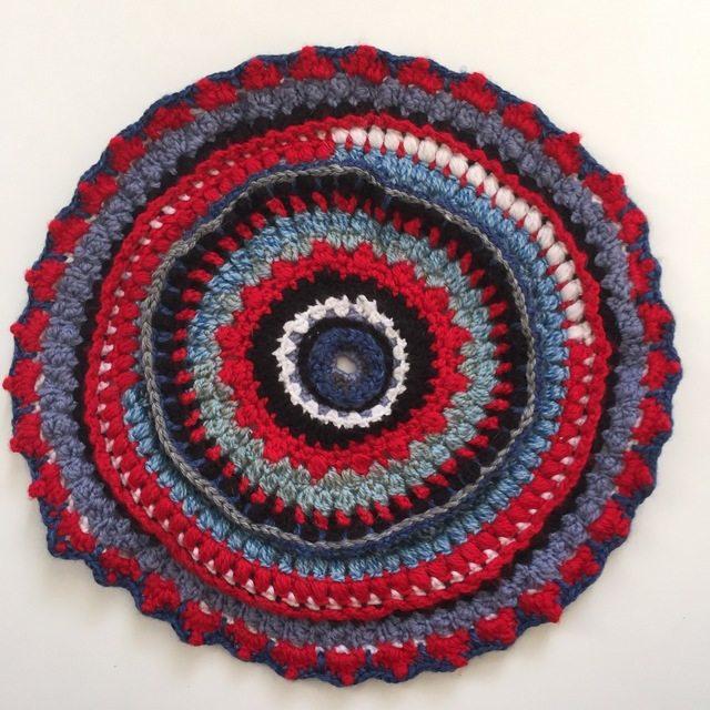 daniellajoe red crochet mandalasformarinke