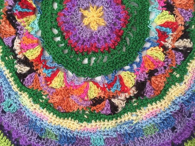 kathryn olsons crochet mandalasformarinke center detail