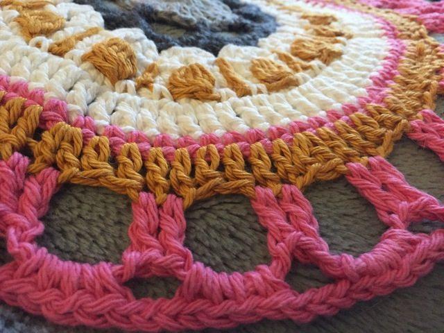 Felicia's Crochet Mandala edging