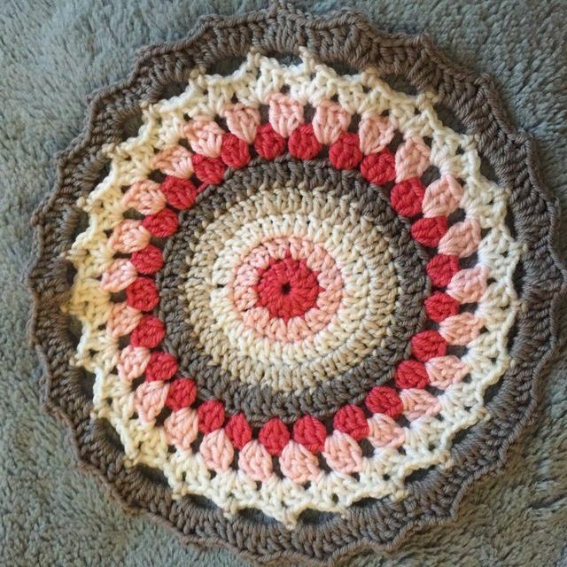 caroline's crochet mandalas for marinke