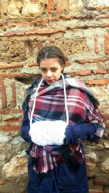 Crochet Free Pattern Muff : This Weeks Link Love Celebrates the Crochet Community