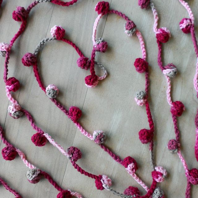 flossiecottage crochet heart garland