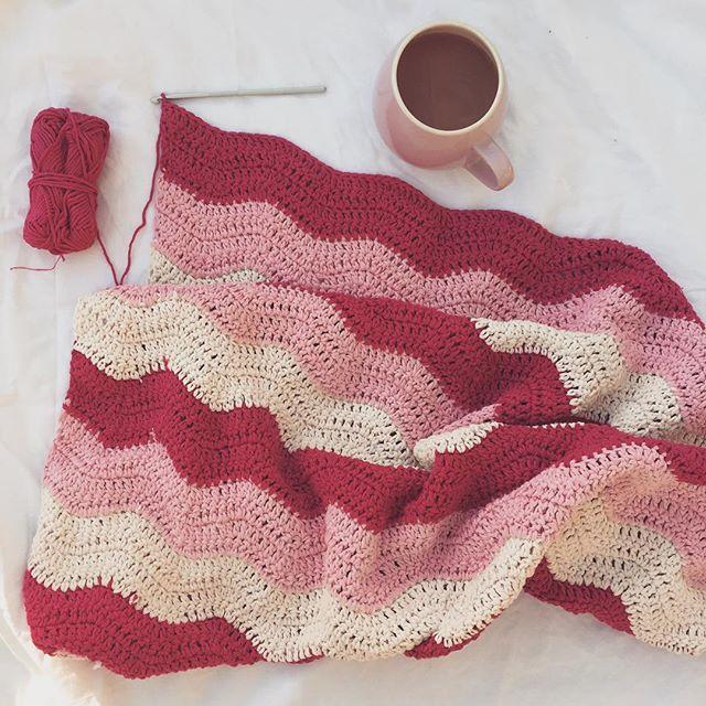 gooseberryfool valentine crochet ripple blanket