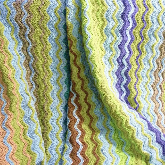 handmade_by_miss_ellie crochet ripple blanket