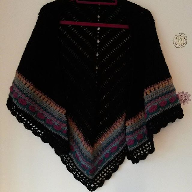 hello_kerrin_bee crochet sunday shawl