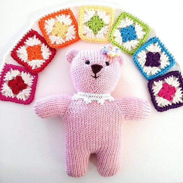 joyfuljaxcrochets.and.knits crochet granny bunting