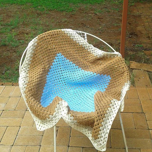 mammalanie crochet granny square blanket