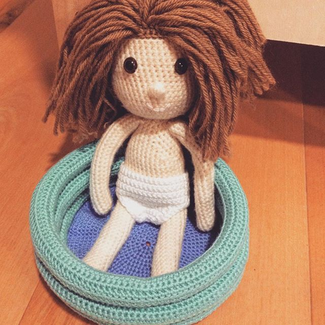 philo010282 crochet doll