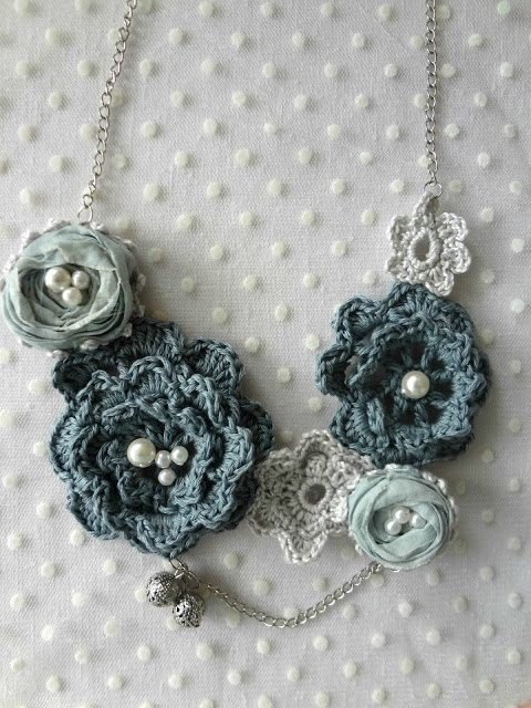 roses crochet necklace pattern