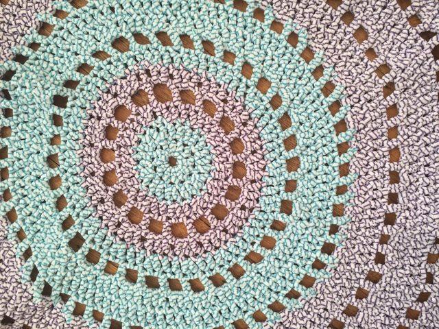 shelley kelsey crochet mandala rugs for wink