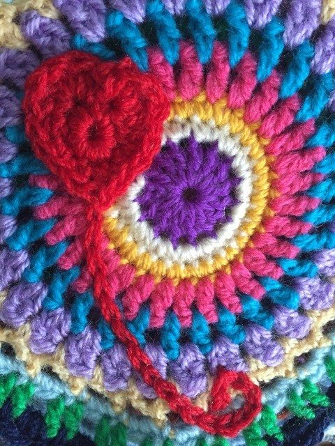 wendy seddon crochet mandala with heart