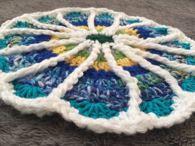 Arienne's Crochet Mandala edging