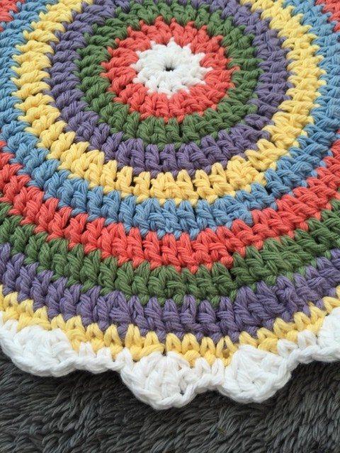 cari crochet mandalas