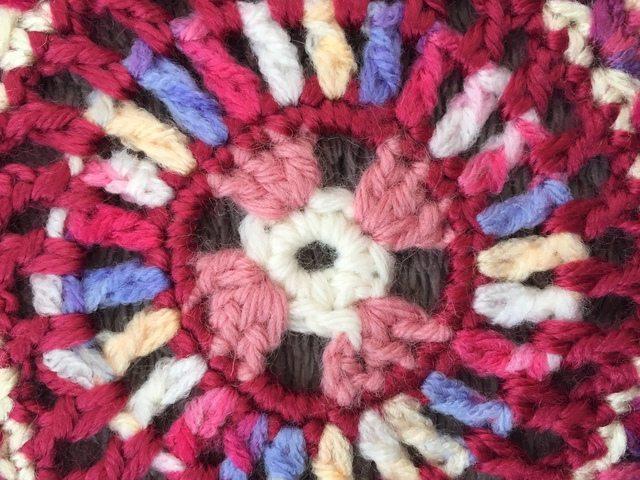 danita crochet mandalas for marinke center detail