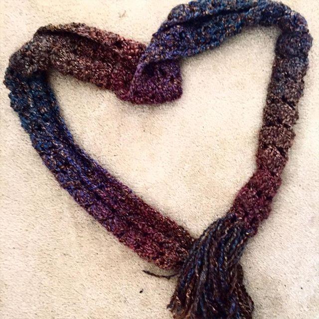 heart crochet scarf