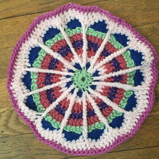 Jane's Crochet Mandala (gigididthis)