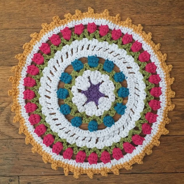 Kathryn?s Crochet Mandala and Benefits of Random Acts of Kindness