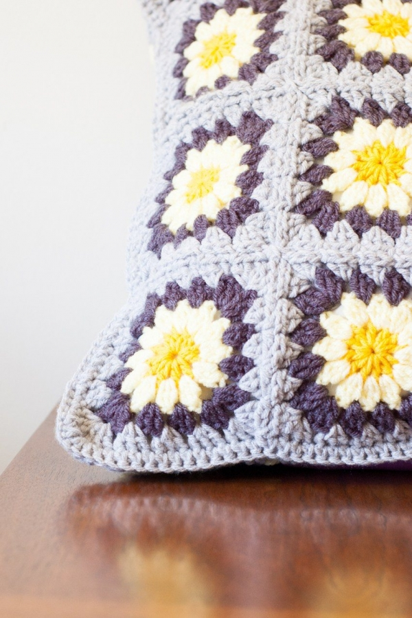 Daisy Granny Plein Pillow #crochet patroon