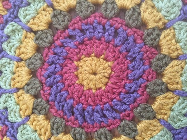 anne cotton crochet mandalas center detail