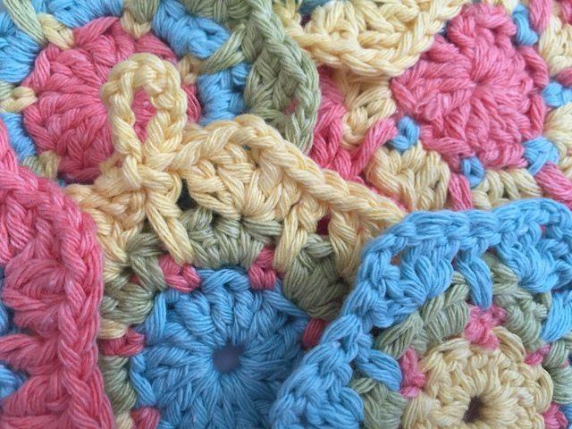 Annies Crochet Mini Mandalas
