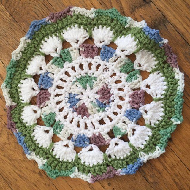 carmen crochet mandala green